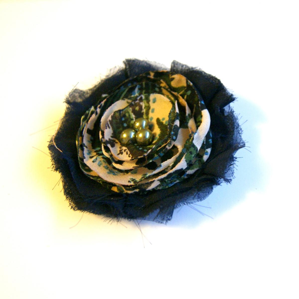 Navy Blue and Tan Flower Pin