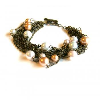 Light Pearls with Brass Chain Bracelet